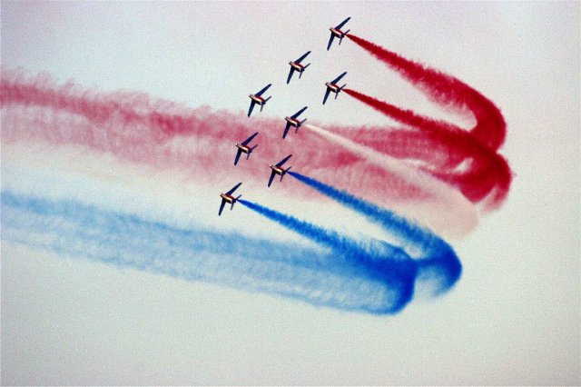 patrouille-de-france-virage-tricolore-a-8 2011